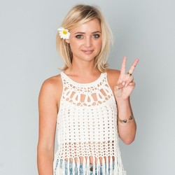 Jojo Fletchers Crochet Fringe Top On The Bachelorette Pradux